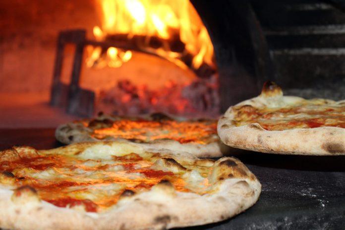 Przygotuj pizzę razem z dziećmi!